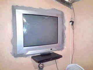 chiste grafico tv plasma pared
