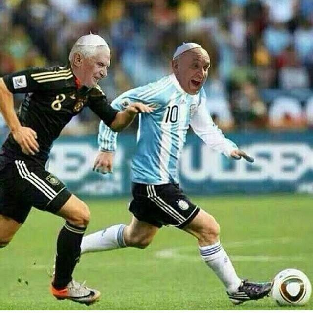 chiste grafico papa futbol