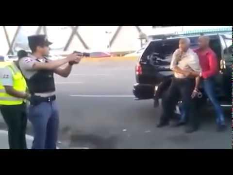 POLICIA ATRACA