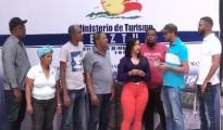 Claudia-Mercedes-junto-a-representativos-de-Villa-Jaragua-1